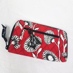 Vera Bradley Red Quilted Women's Wallet Wrist-let